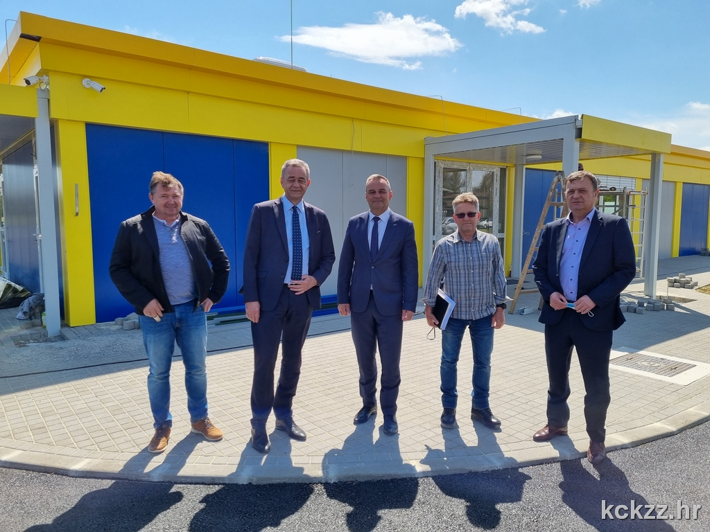 Župan Koren obišao radove na izgradnji dvorane u Kalinovcu