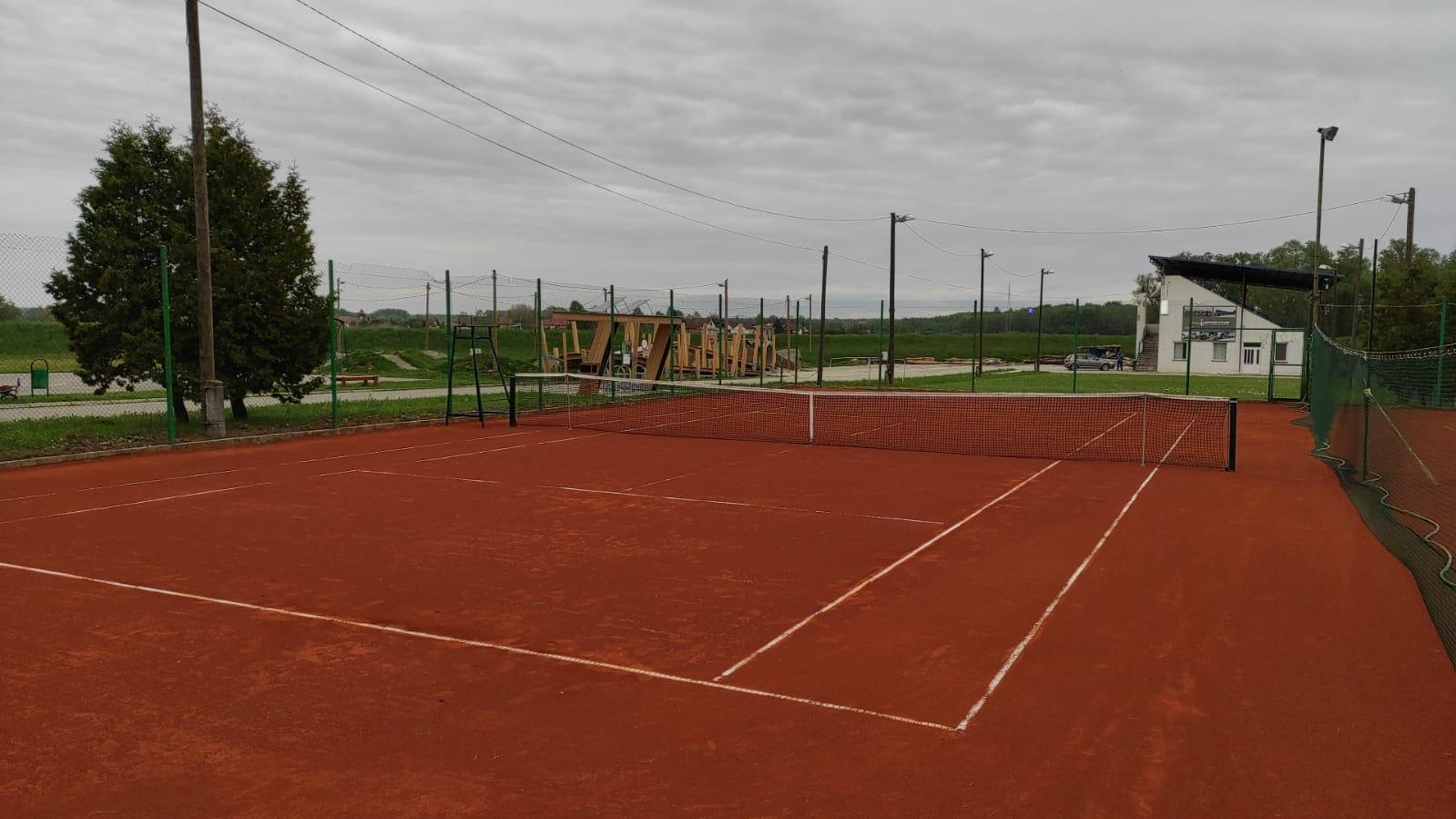 Od danas svi na tenis u Čazmu!