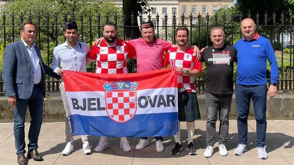 Bjelovarčani u Glasgowu u kiltovima za Hrvatsku