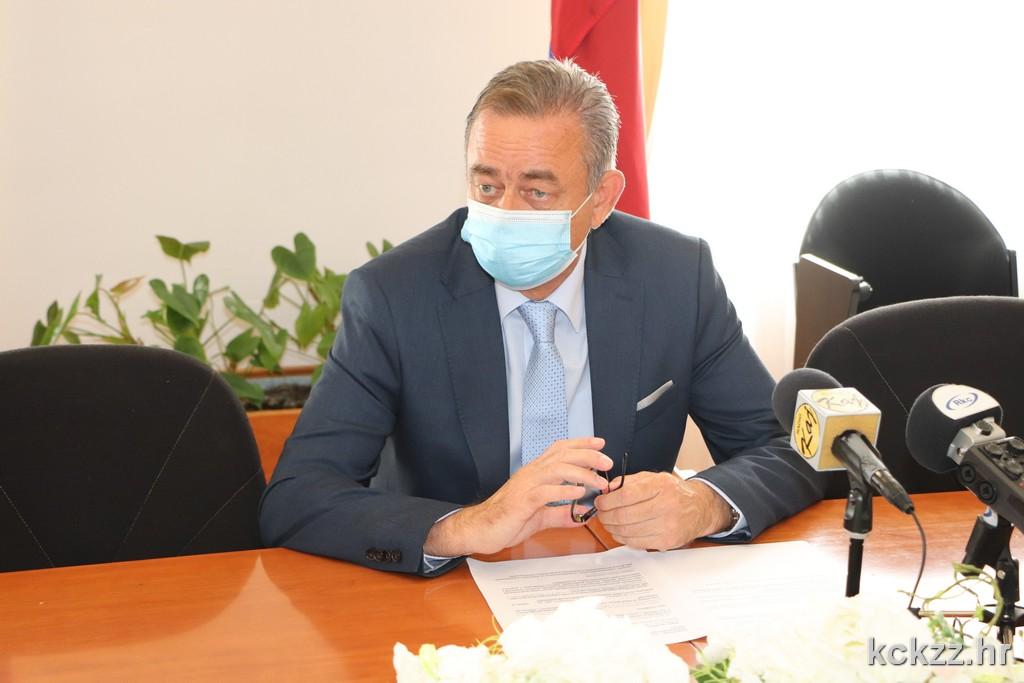 Župan i osmero poduzetnika potpisali ugovore o dodjeli potpora male vrijednosti za samozapošljavanje