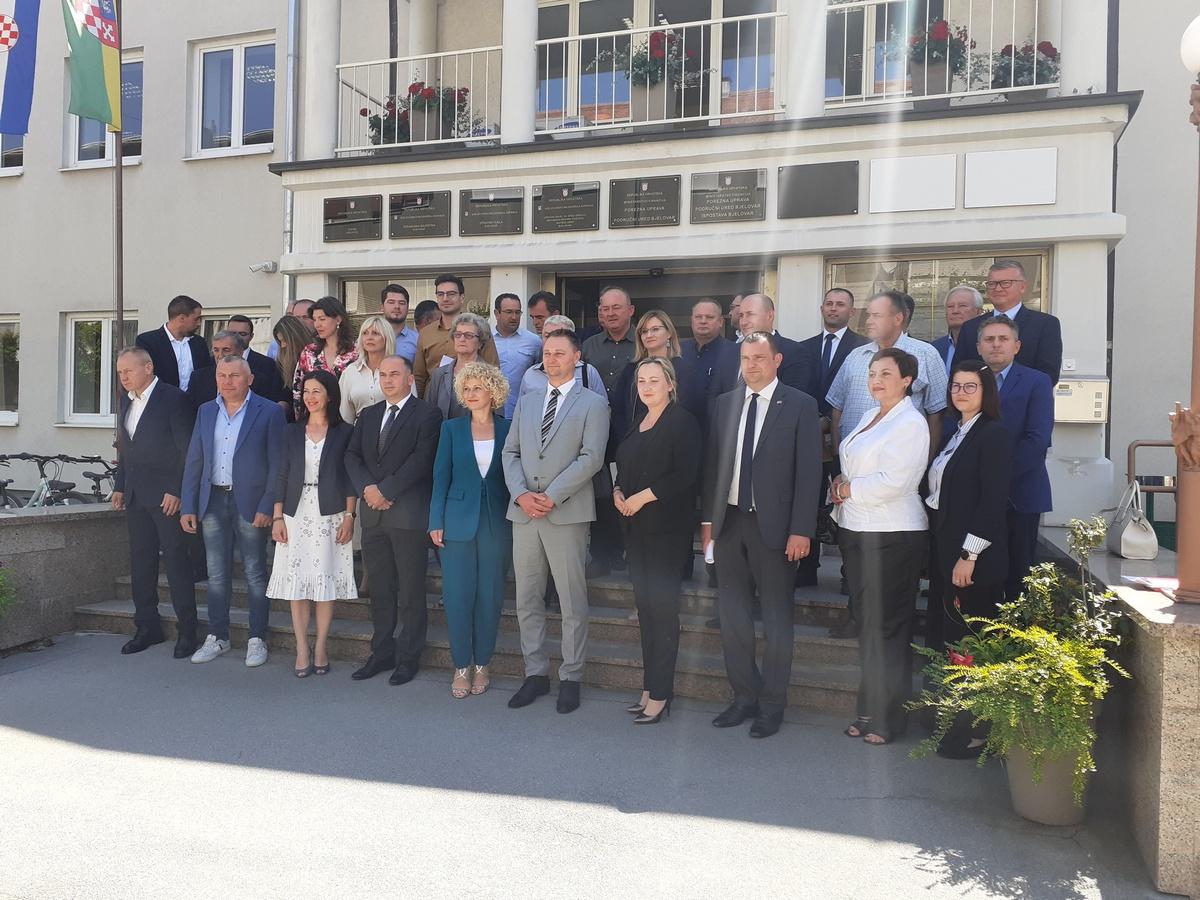Prisegnulo 37 vijećnika, za predsjednicu izabrana Ivana Jurković Piščević