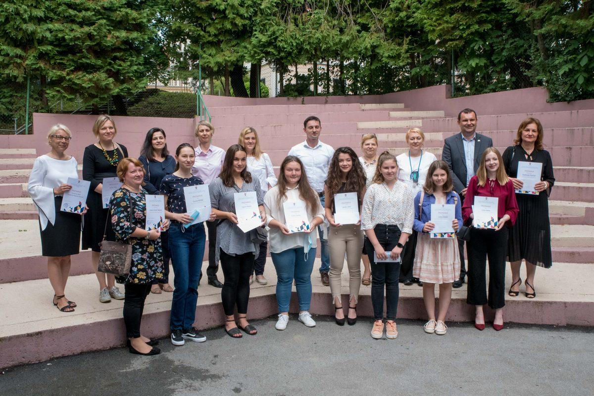 Podijeljene nagrade i priznanja najboljim daruvarskim učenicima i mentorima