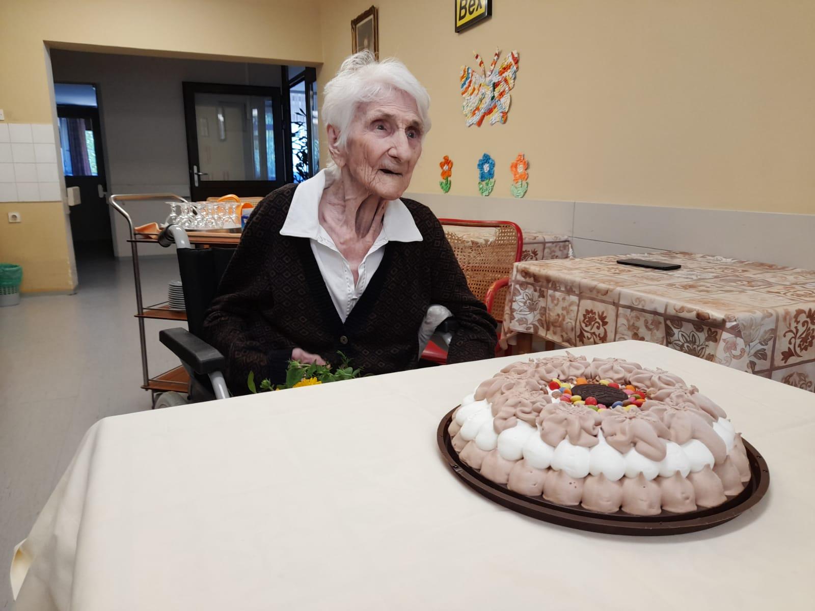 Na svom 102. rođendanu baka Ana nam je otkrila tajnu dugovječnosti!