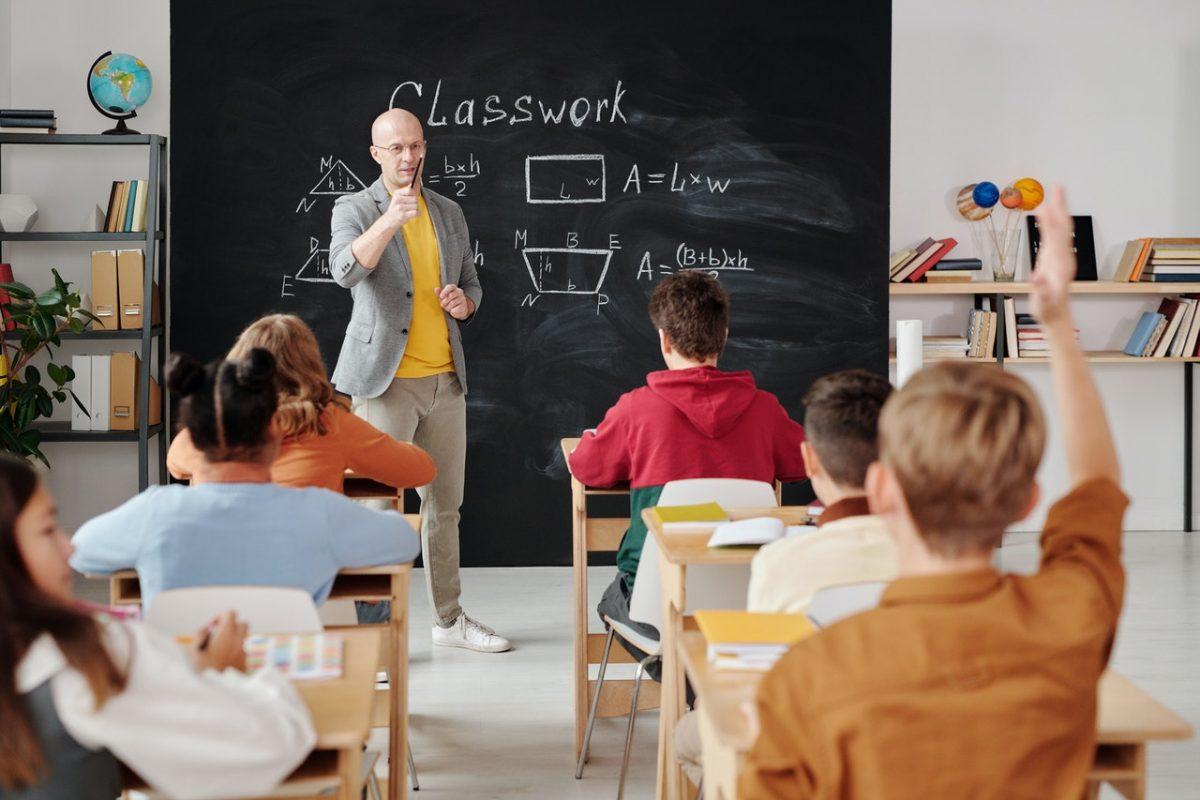 Epidemiologinja pojasnila nova pravila o samoizolaciji učenika