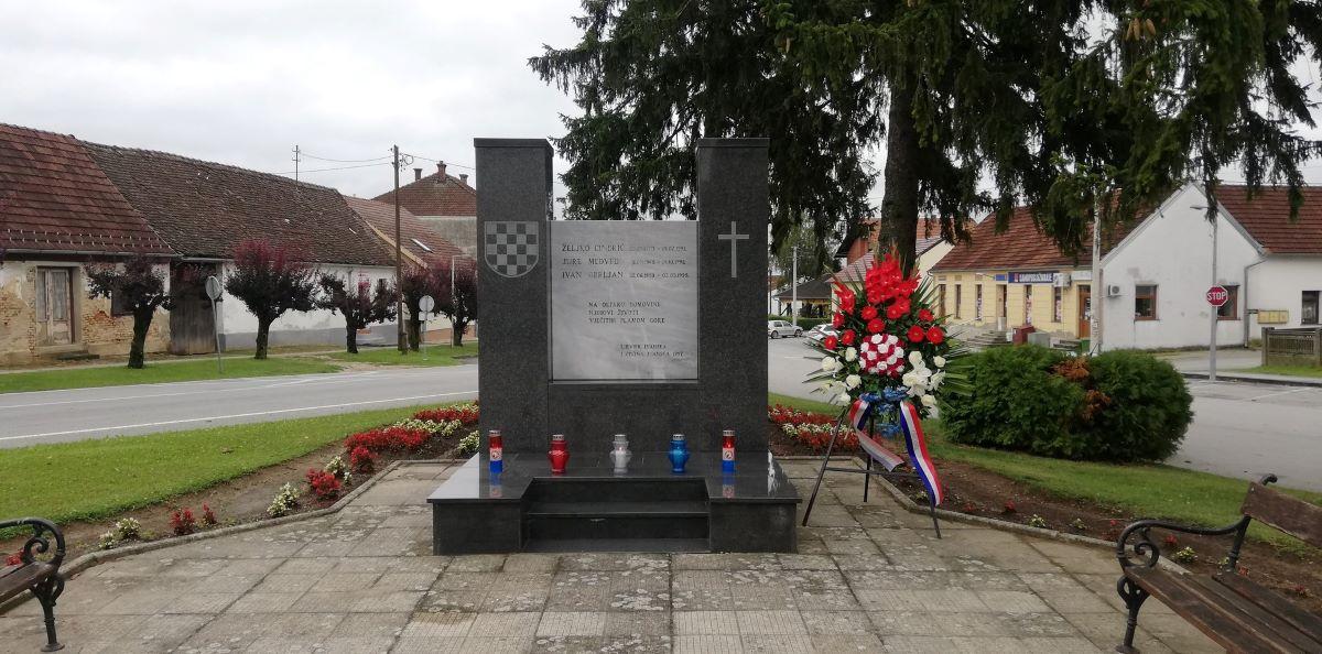 Sprema se proslava obljetnice brigade, a spomenik poginulima 10 mjeseci čami u podrumu