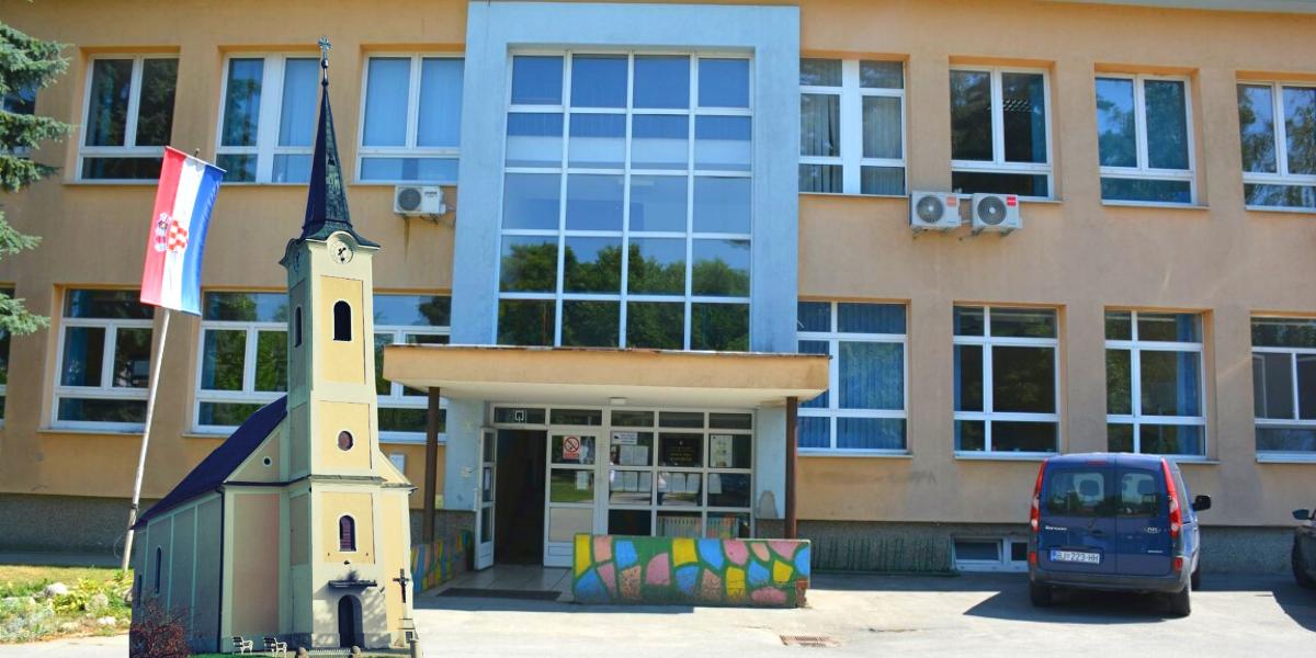 Škola u obnovu, učenici na nastavu u crkvu