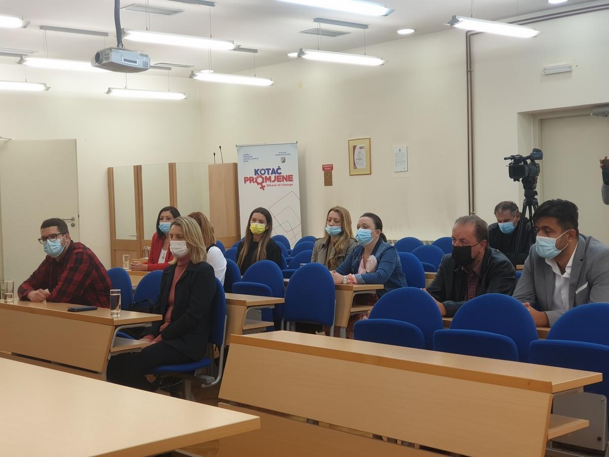 Osigurani europski milijuni za 62 učenika kojima treba asistent u nastavi