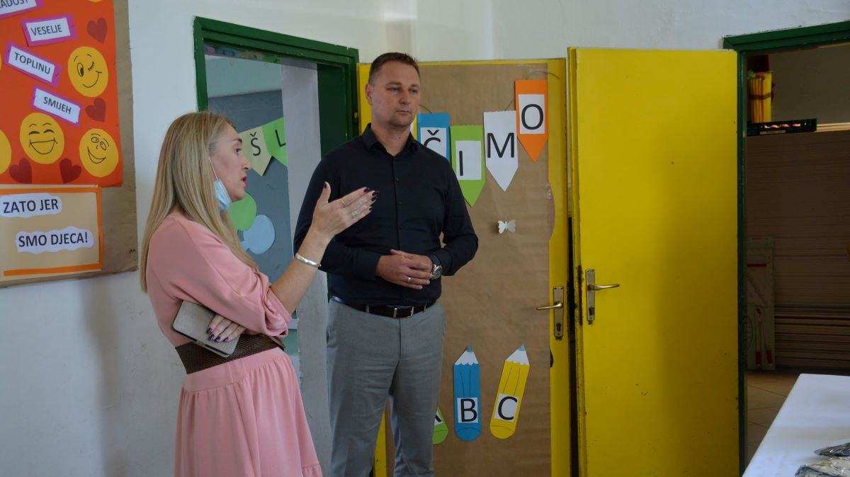 """U """"zgradu ljepoticu"""" do proljeća će se pretvoriti i Područna škola Lasovac"""