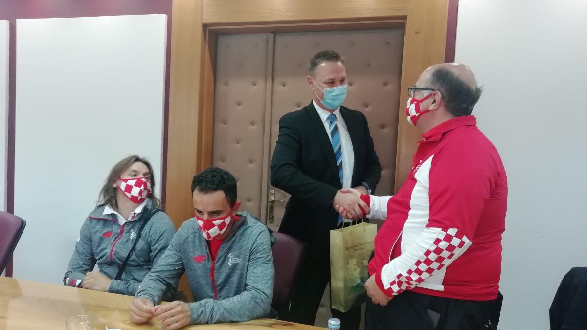 Župan Marušić darivao sjajne paraolimpijce i njihov tim