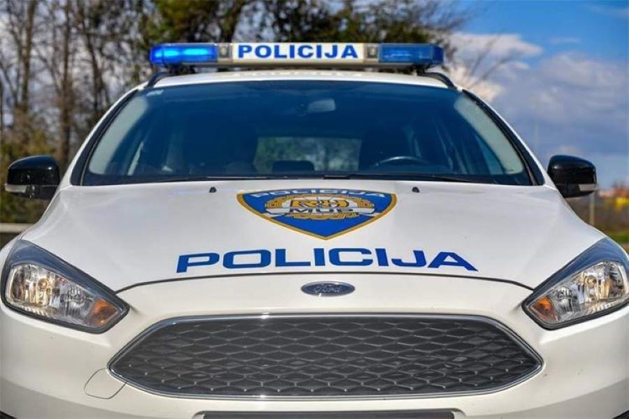 Uhićen pijani otac koji je bez vozačke skrivio nezgodu u kojoj je ozlijeđeno njegovo dijete