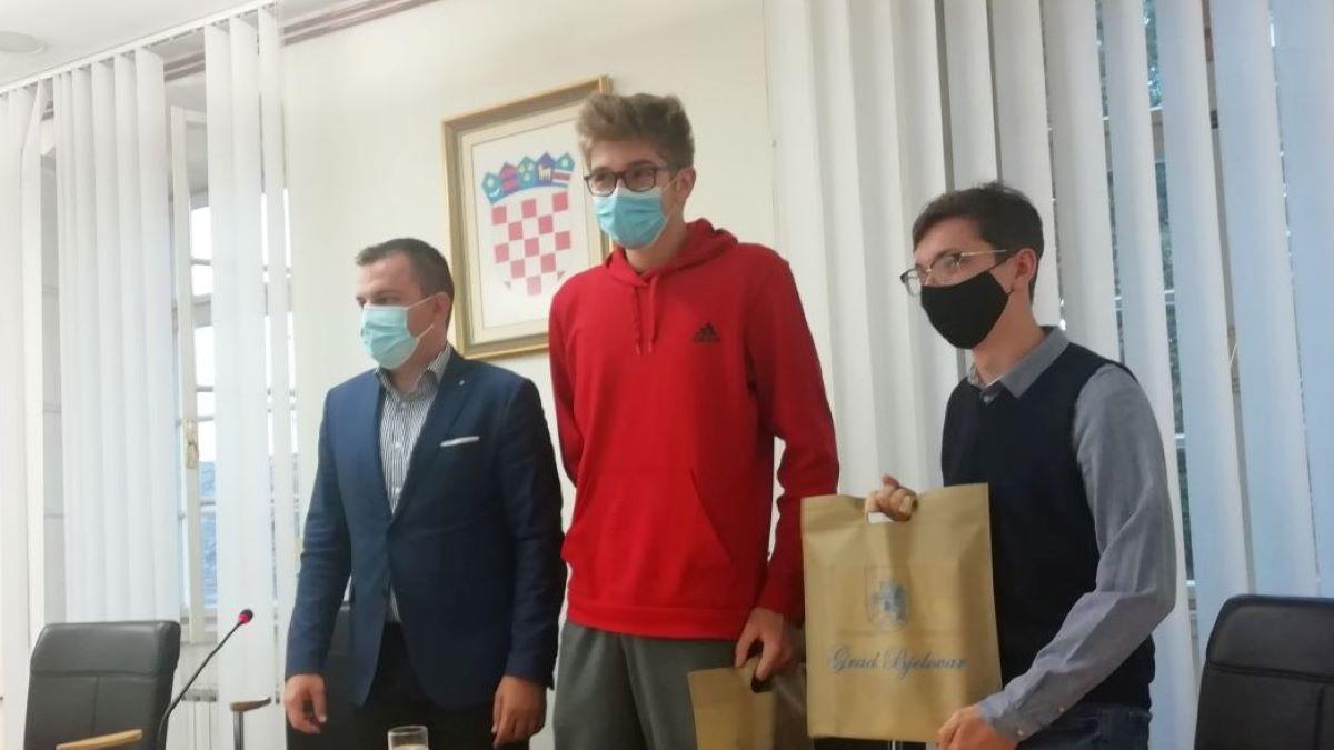 Gimnazijalci dokazuju: budućnost Hrvatske stanuje u Bjelovaru