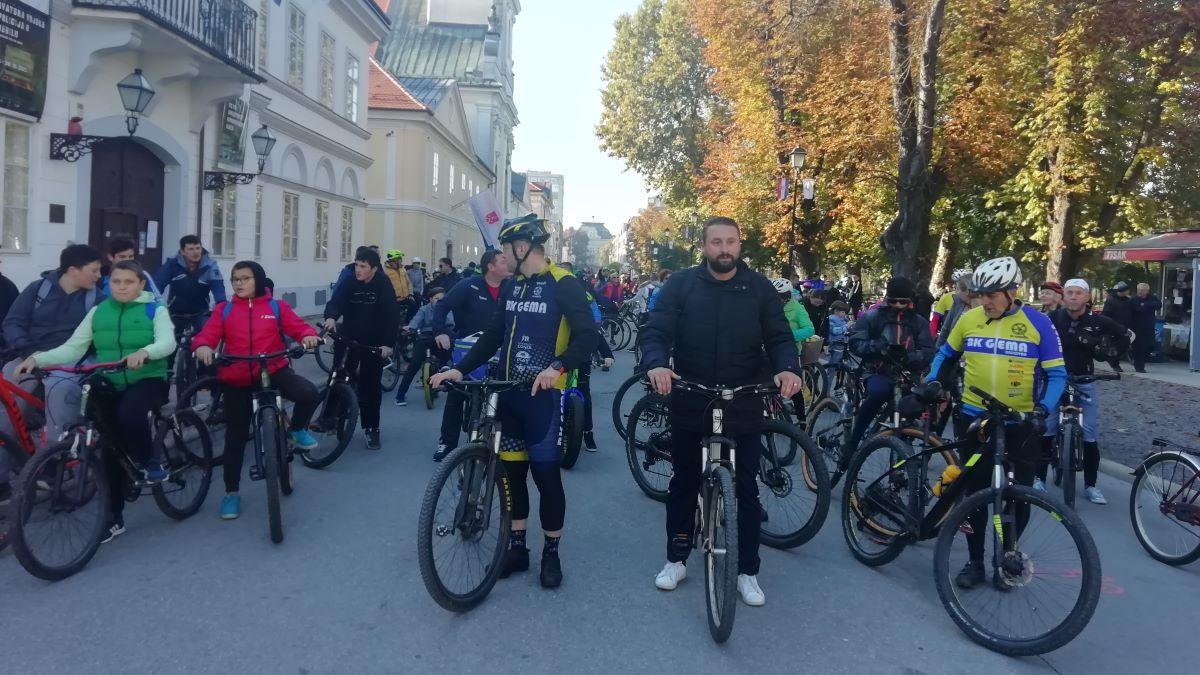 Oko 200 biciklista okupilo se na 1. Jesenskoj biciklijadi iz Bjelovara do V. Trojstva